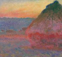 Monet painting sold for record price