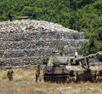 More troops Israel to border with Syria