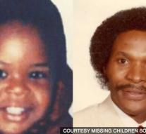 Mother reunited after 31 years with kidnapped son