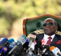 Mugabe proceeds to government for election