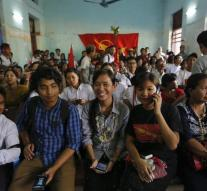 Myanmar allows political prisoners