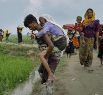 'Myanmar places mines on border Bangladesh'