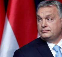 Newspaper calls Orbán's party to leave EPP