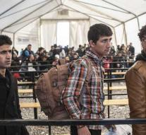 Number of refugees to Europe halved