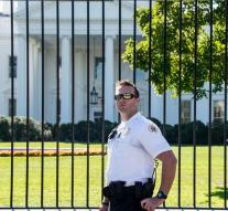 Obama security guard robbed