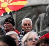 Parliament Macedonia approves name change