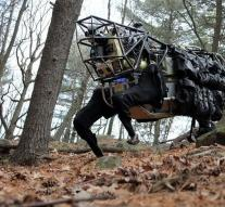 Pentagon approves army robot off