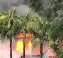 Plane crashes on residential area, two houses on fire