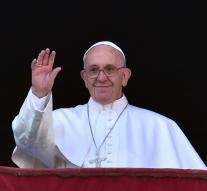 Pope calls for peace in Middle East