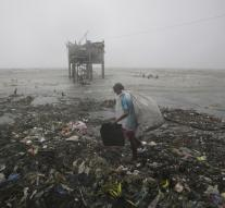 Powerful typhoon Koppu reached Philippines