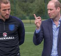 Prince William avoids Russia, but wishes football team success