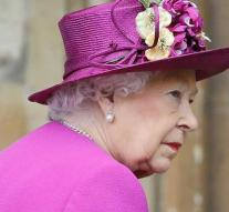 Queen evacuated at Brexitchaos: plans Cold War of stable