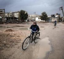 Rebels give city in Damascus on