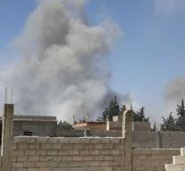 Rebels: Syria throws chemicals at Douma