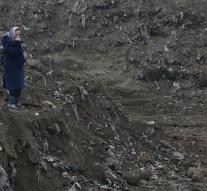 Remains of 30 people in Bosnia mass grave