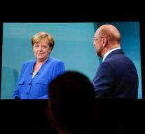 Schulz challenges Merkel for second tv show