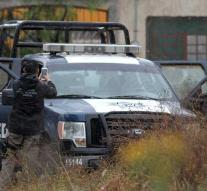 Six cops shot in Mexico