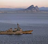 'Spanish warship provokes on waters Gibraltar to brexit'