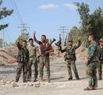 Syrian troops away from frontline Aleppo