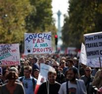 Tens of thousands protested against French labor law
