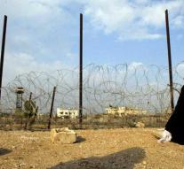 Three Palestinians shot at Gaza border