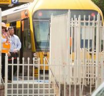Train Sydney clashes on tapping block: five seriously injured