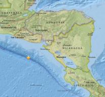 Tsunami warning after quake El Salvador