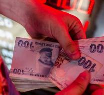 Turkish exchange offices closed due to lira crisis