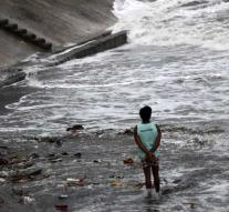Typhoon Mangkhut reaches Philippines