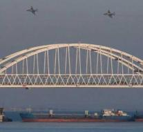 Ukrainian ships towed to Kerch port