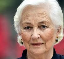 Vertebral Fracture for Queen Paola