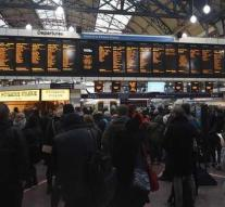 Victoria Station London cleared to fire alarm