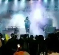 Video shows how tsunami washes away Indonesia stage during a concert