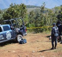 Weather dozens of corpses in mass graves Mexico