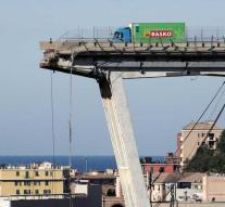World-famous driver saved himself with a handsome maneuver on Genoa bridge