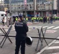 Yellow vests show in Brussels, closed tunnels