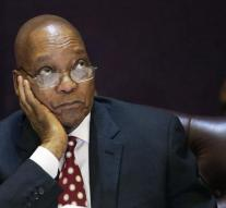 Zuma survives confidence vote
