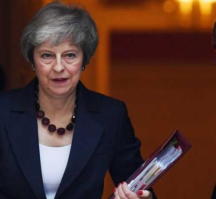 May: cabinet supports Brexit deal