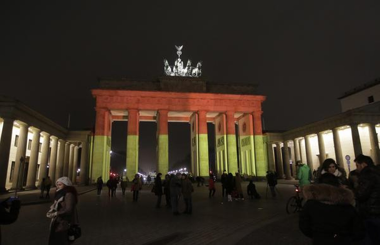 Brandenburger Tor In German Flag Colors Hot Recent News